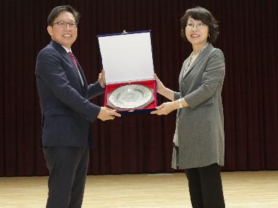 KISTI 최희윤 원장, 한국콘텐츠 정책대상 수상