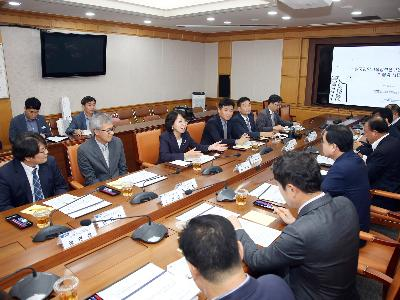 Cooperating with Changwon city for building industrial ecosystem for smart innovation, and solving urban problems. image